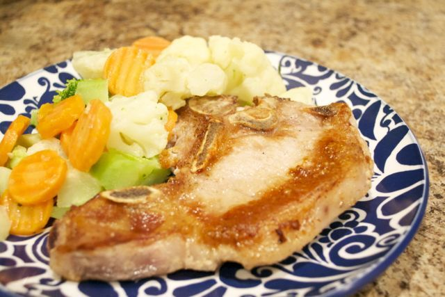 PAN FRIED PORK CHOPS AND SIMPLE SAUCE - quick, easy and super simple