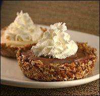 Pretzel bottom ice cream pies! recipes