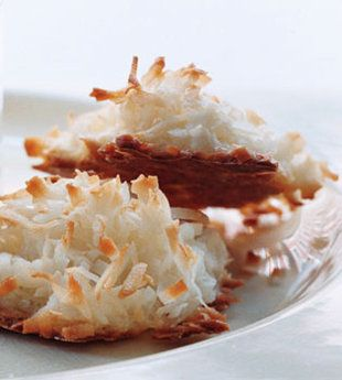 Coconut Macaroons, without leven | Pesach | Pinterest