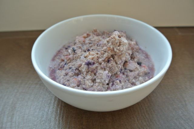 "Mixed Berry ""NOatmeal"": A ""berry"" delicious, paleo take o..."