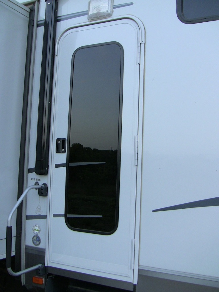 Rv entrance door rv 5th wheel basics exterior for Entrance doors