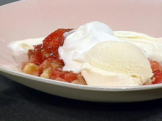Rhubarb-Strawberry Crisp | Recipe