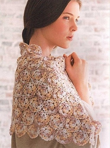 Scalloped Triangle Shawl Crochet Pattern : CROCHET SCALLOPED SHAWL PATTERN Crochet Patterns Only