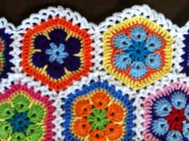 Crochet-African flowers crochet Pinterest