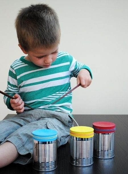 Balloons and tin cans make the perfect impromptu drum set!  Lots of other balloon ideas too.