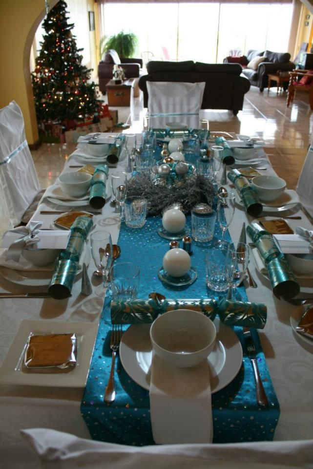 Christmas table in turquoise and white : 3fe17f3e04821b8dadcaba06f6267d9e from www.pinterest.com size 641 x 960 jpeg 95kB