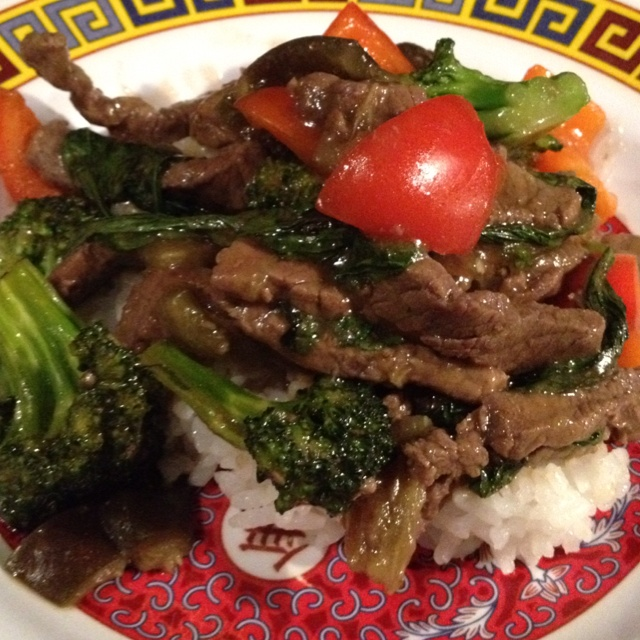 Spicy Thai Basil w/ Beef and veggies | Yumminess | Pinterest