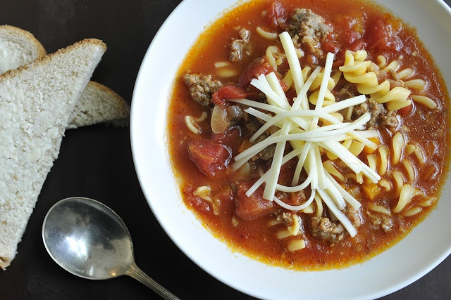 Hearty Italian Soup, what better meal to warm you up on cool autumn ...