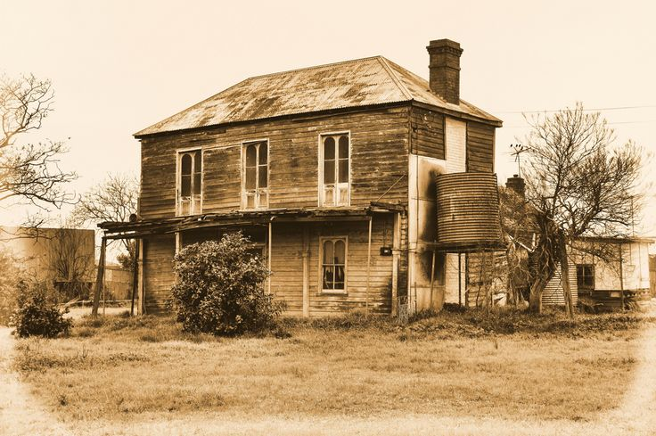 Love This Old Run Down House Abandoned Beauties Pinterest