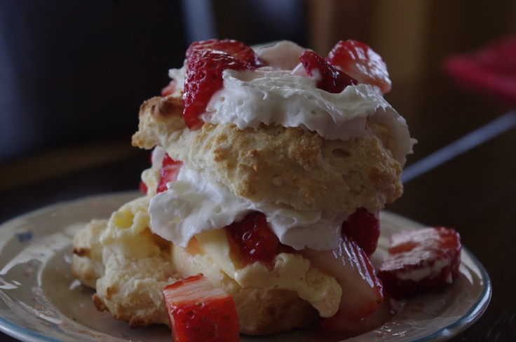 how to make strawberry shortcake with box cake mix