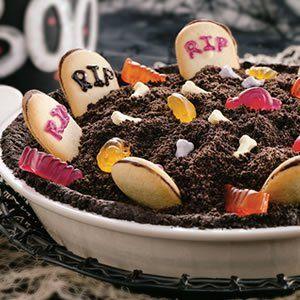Spooky Graveyard Pie - Let 'em eat dirt!