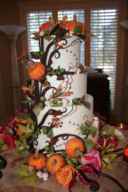 Beautiful Fall Wedding Cake Alekxa 39 S Extravaganza