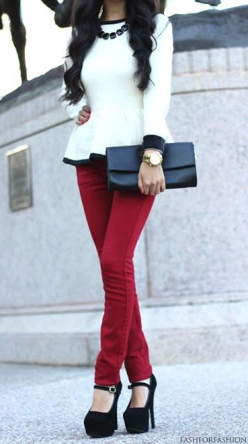 Red skinnies + Black pumps