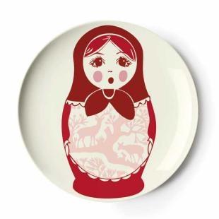 A dessert plate.