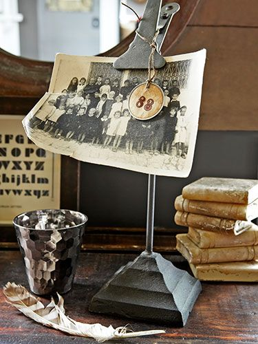 metal clip stand with antique photo