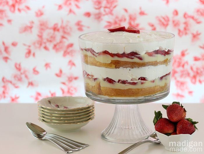 easy strawberry shortcake recipe A better pic is at http://porkrecipe ...