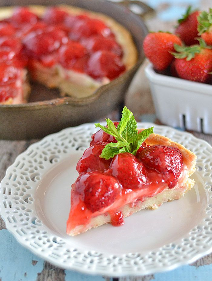 This strawberries and cream dessert pizza comes together in a flash ...