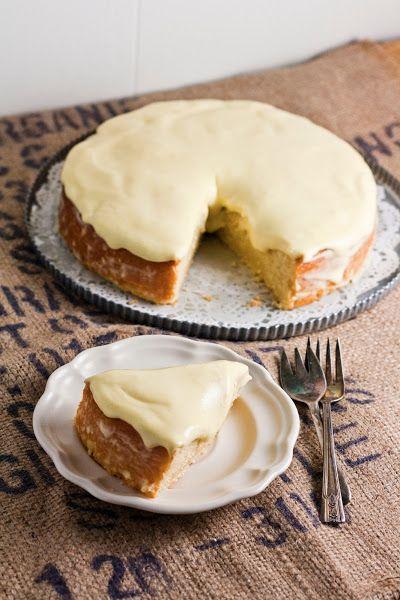 Lemon and Almond Streamliner Cake | Vintages Cakes, Baker and Spice
