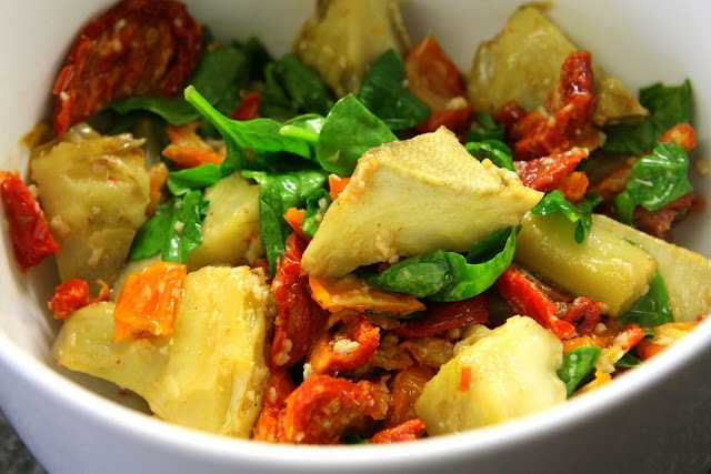 Fresh Local and Best: Artichoke Hearts with Sun Dried Tomatoes Pasta