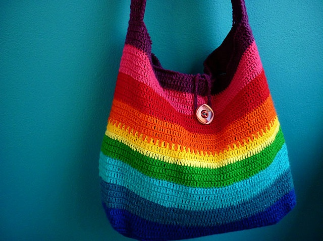 beautiful crochet rainbow bag Crocheting Pinterest