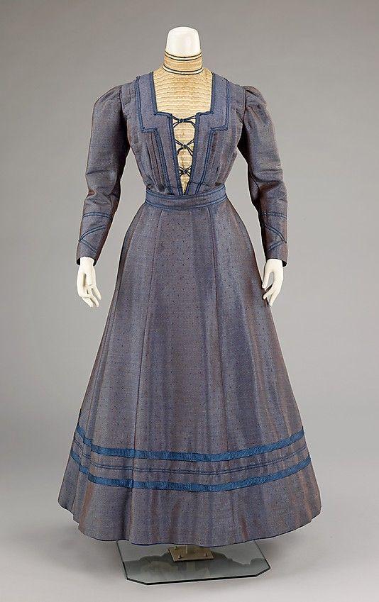 Famous 1900 Dress