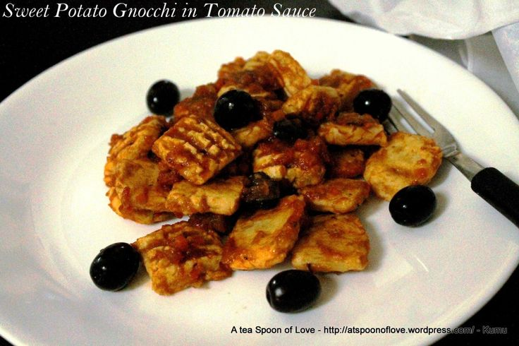 Sweet Potato Gnocchi with Tomato Sauce | paleo | Pinterest