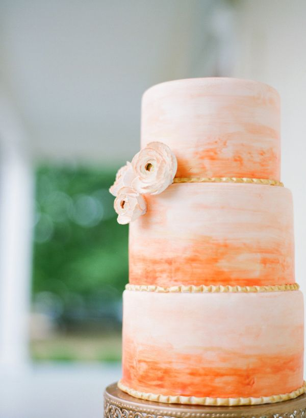 Orange colored cake for a orange and pink wedding #tangerineandpink #wedding #cake