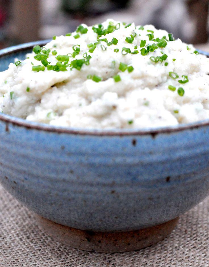 """Paleo cauliflower mashed """"potatoes"""""""