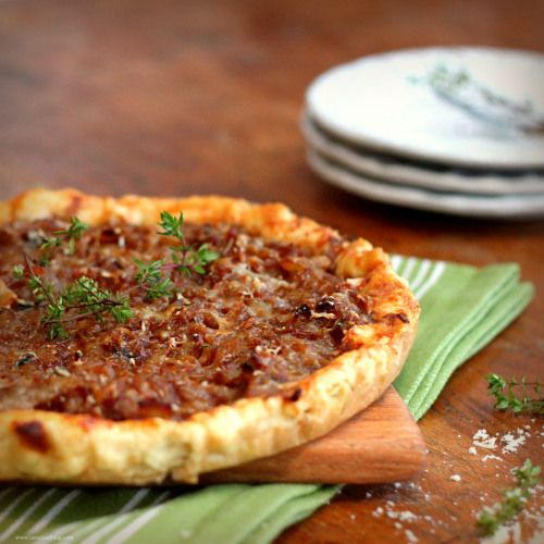 Golden Onion Tart with Gruyère and Thyme | Estomago | Pinterest
