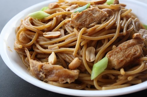 Peanut butter & noodles | Yum | Pinterest