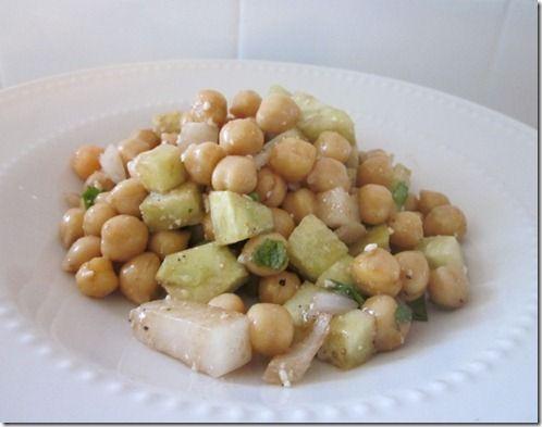 Greek Style Chickpea Salad #glutenfree #vegetarian | get in my belly ...