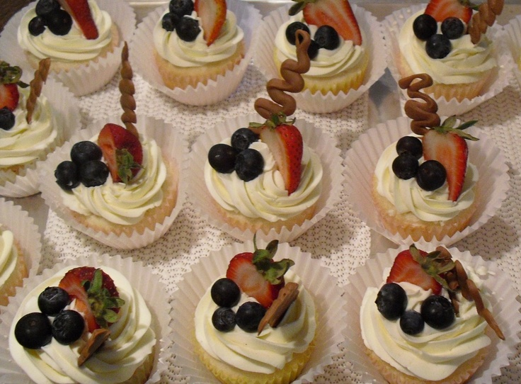 Mrs  Buttercream Cake Decorating : Fruit Cupcakes Mrs. Buttercream Cake Decorating Pinterest