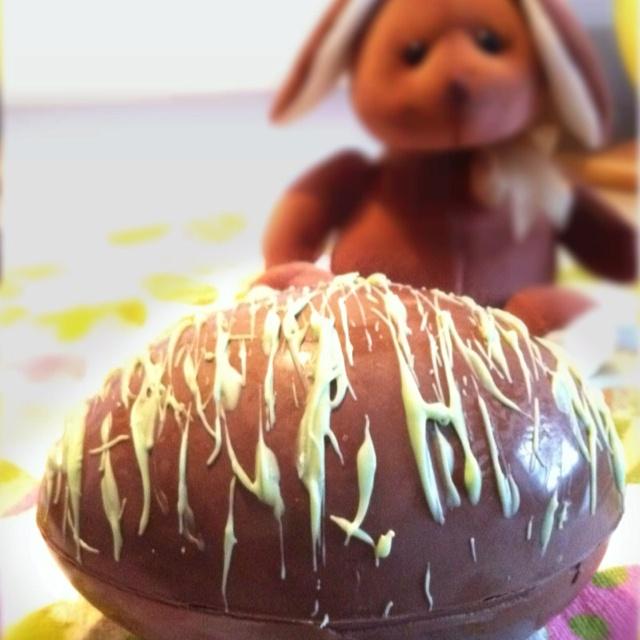 Giant, Hollow Easter Egg