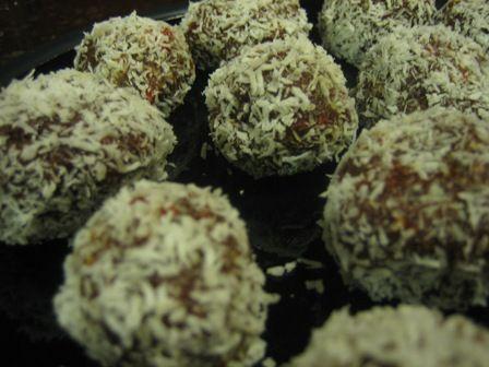 Fudgy Balls | Nourishment - Desserts | Pinterest
