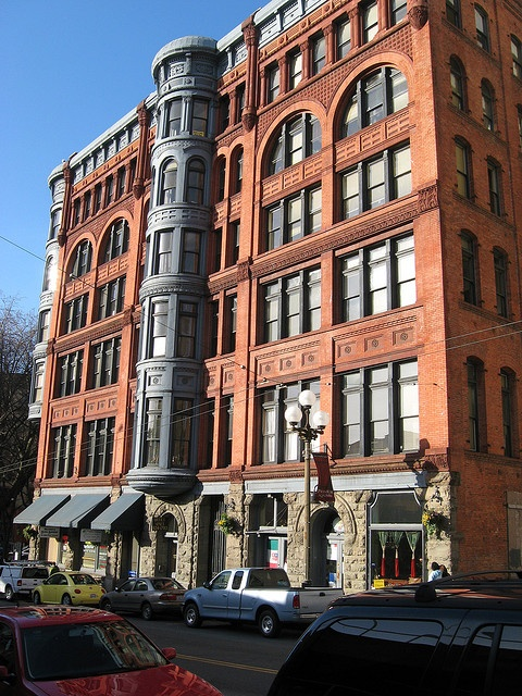 Pioneer square building seattle http emeraldcitycom for Seattle builders