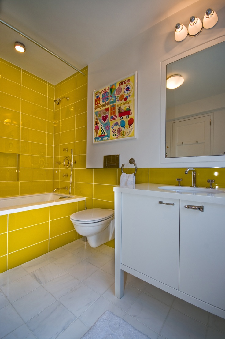 Yellow bathroom interior house design pinterest for Yellow bathrooms photos