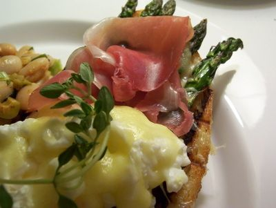 amp poached egg sandwich with prosciutto amp gruyere brunch dish that ...