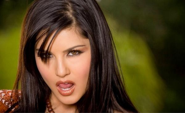 Sunny leone New pic's & Wallpapers   AWeSomE AttItuDe ...