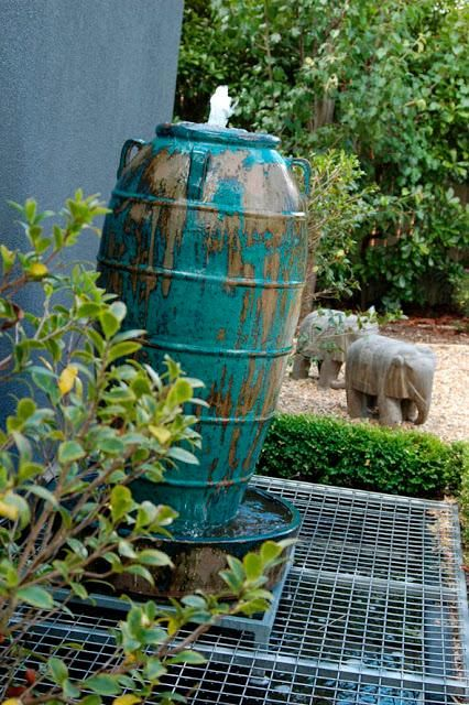 Diy garden fountain diy water features craft ideas for Build backyard water garden