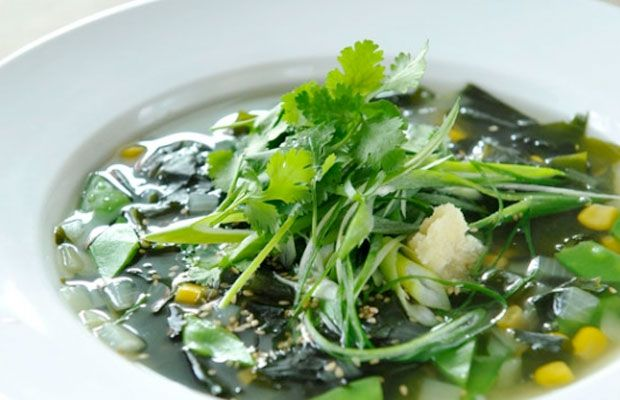Wakame Soup with Snow Peas & Ginger: A detoxifying soup