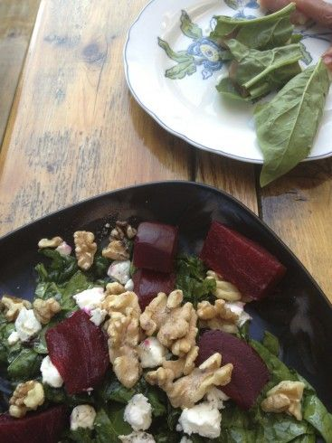 Spinach salad with roasted beets, goat cheese, and walnuts. Dressing ...