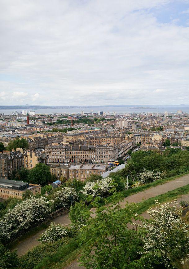 travel guide edinburgh scotland