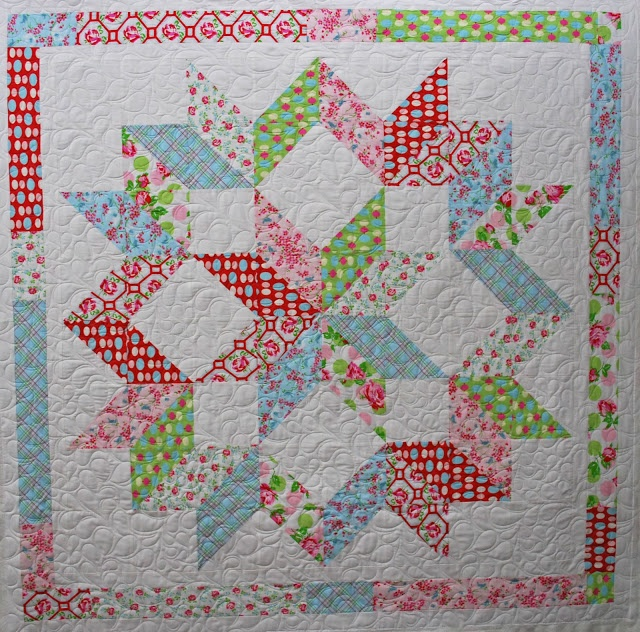 Half-square triangles - Christmas quilt? Sewing n Quilting Pinte?