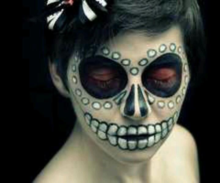 pretty sugar skull make up halloween pinterest