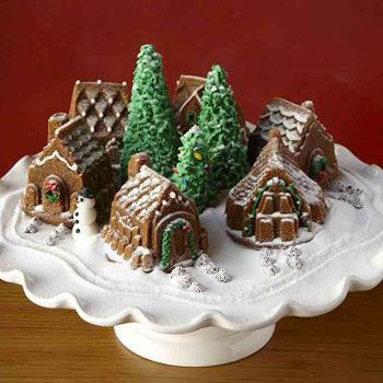 mini gingerbread house cakes | Gingerbread Houses | Pinterest