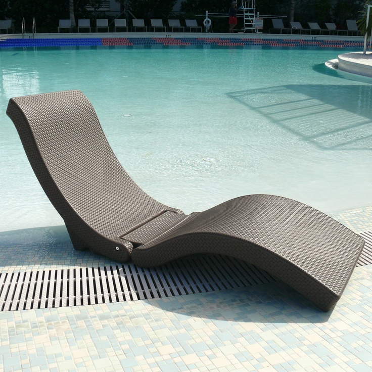 The SplashLounger Chaise Pool Floater Chair