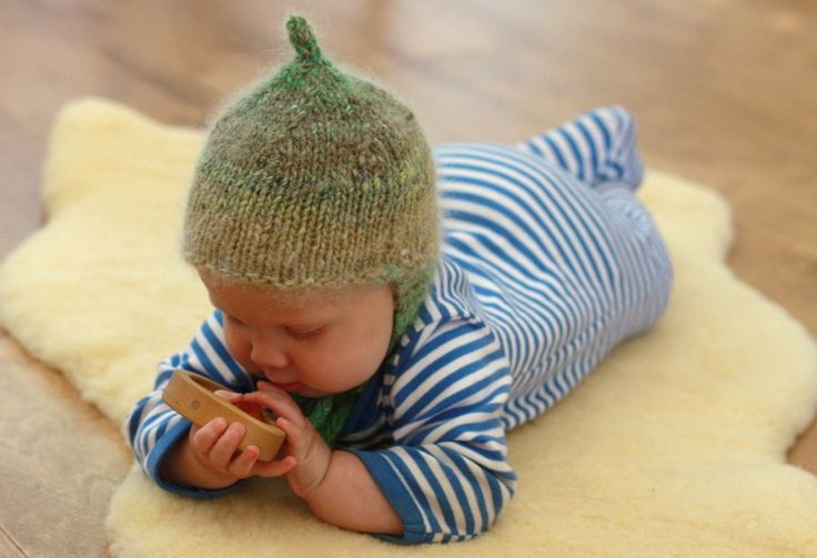 Gnome Hat Knitting Pattern Free : Knitted Baby Gnome Hat Free pattern Knitting Pinterest