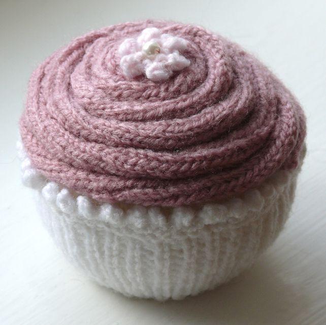 Knitting Pattern for Jumbo Cupcake
