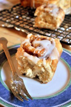 Lighter Everyday Cinnamon Rolls--no yeast, part whole wheat