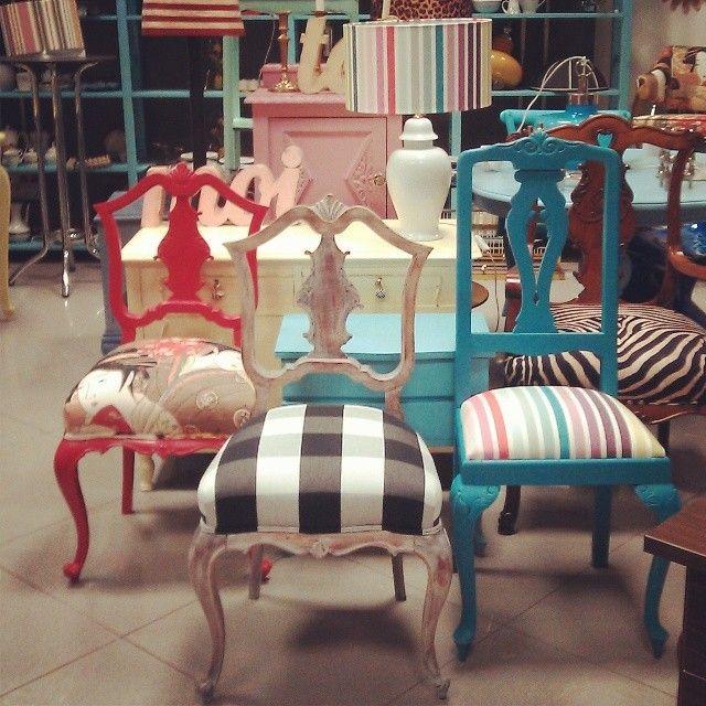 Vintage chic butacas sof s divanes pinterest - Sofas antiguos de madera ...